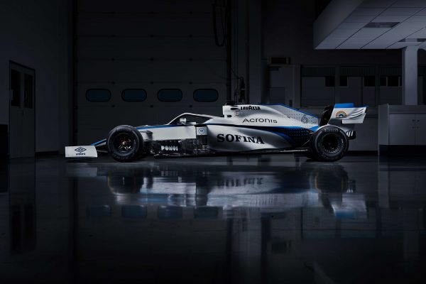 Williams Racing signs Umbro UK as official kit supplier